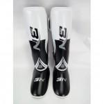 BN 泰拳拳擊訓練護腳護腿護具 - 白色中碼