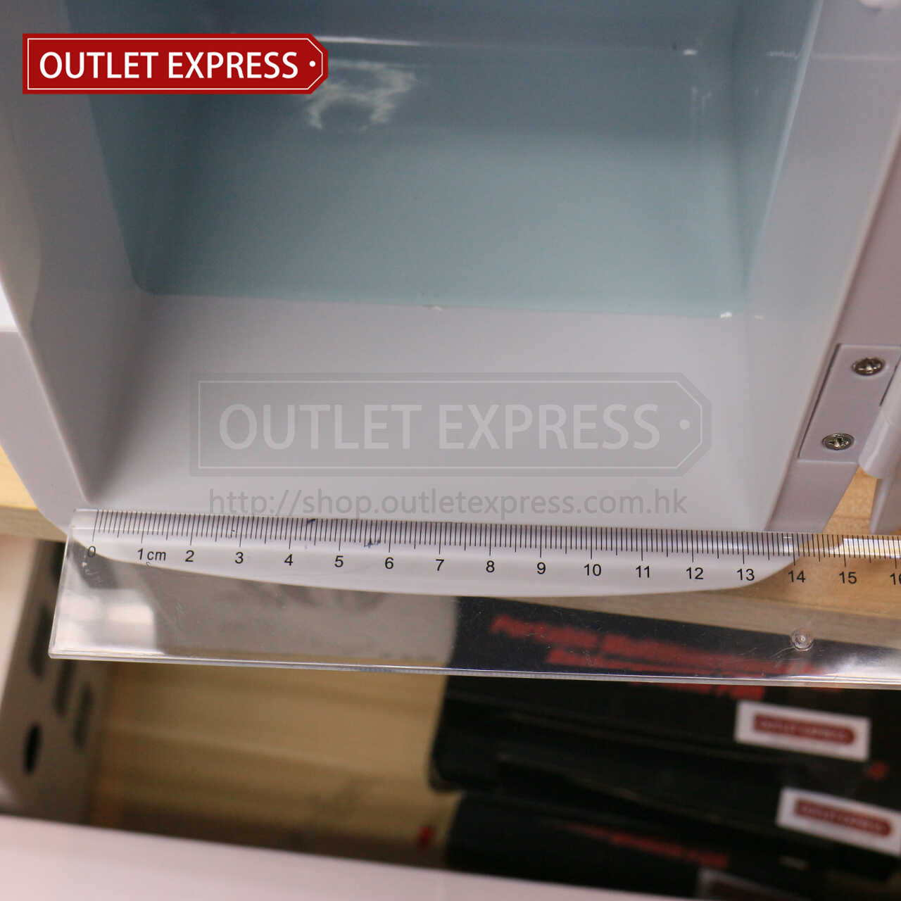 4L 冷暖兩用迷你小雪櫃 | 可車載或家用- Outlet Express HK生活百貨城實拍相片